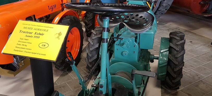 Musée agricole Grandfontaine, tracteur Eclair 1935