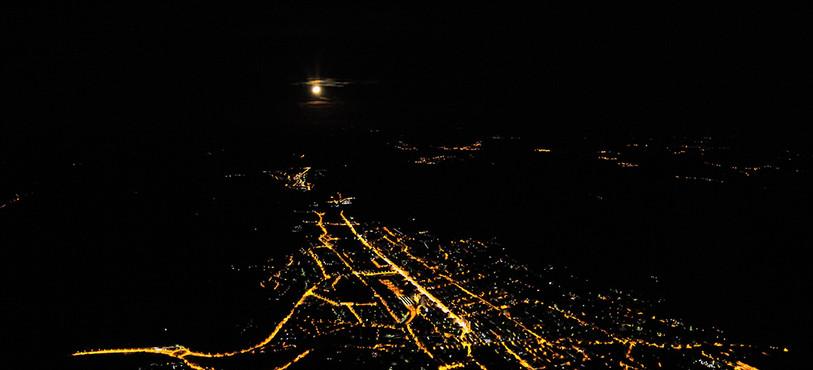 L'éclairage public de La Chaux-de-Fonds vu du ciel. (Photo: Viteos)