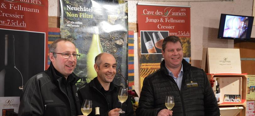 Christian Fellmann et Jean-Marc Jungo de la Cave des Lauriers à Cressier et Yann Künzi, directeur de Neuchâtel Vins et Terroir