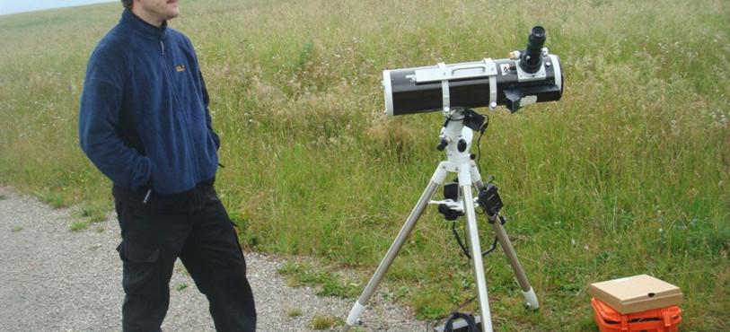 Devant un télescope.... sans Vénus
