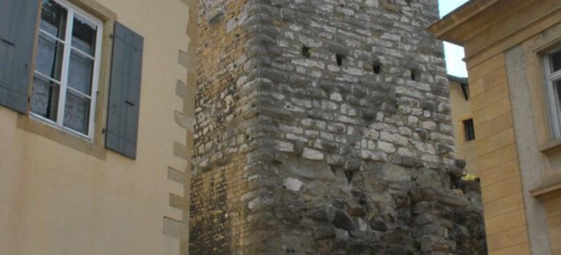 Porte d'entrée de la ville au Moyen Age.
