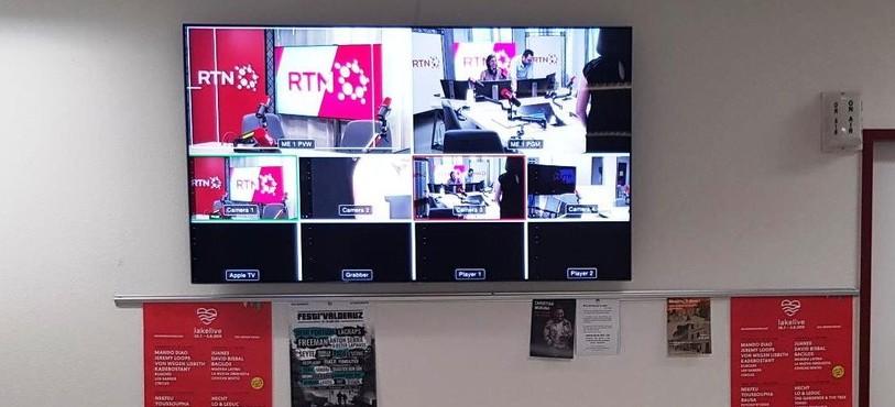 Et un écran de diffusion dans la cafétéria