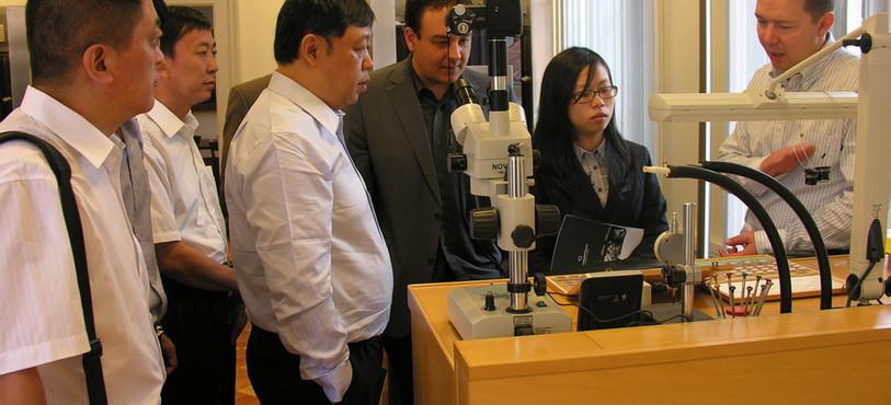 La délégation chinoise a découvert les activités horlogères de la Fondation Qualité Fleurier