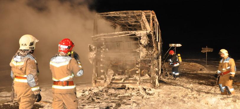 Autocar en feu