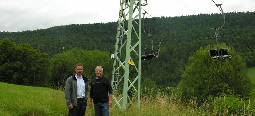 Werner Halter, directeur de Swiss Wind Energy, et le président de l'association TBRC Jacques Haldi