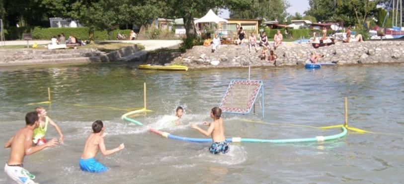 Water Tchoukball