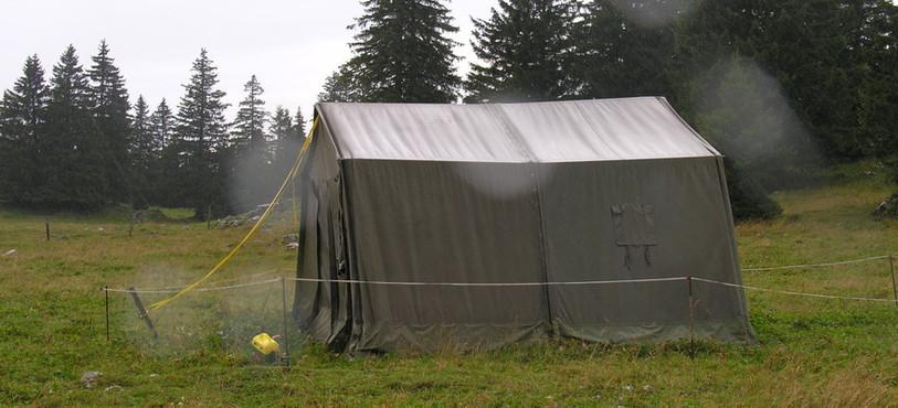 La journée, le ballon est abrité dans une tente.
