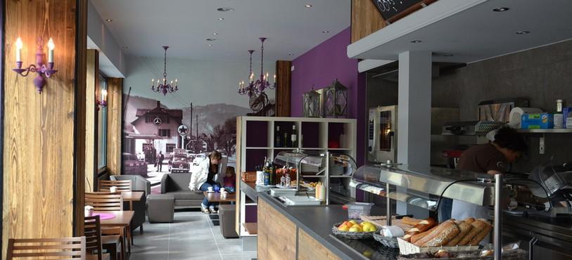 L'espace convivial du Café Oasis