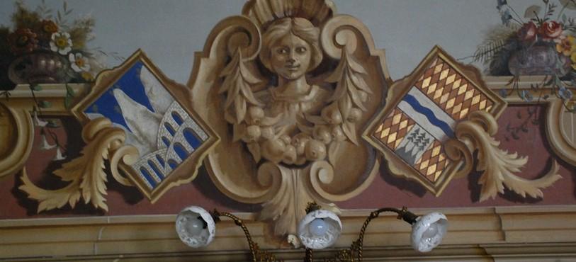 Détail de la décoration de la salle de réunion de la loge maçonnique du Locle