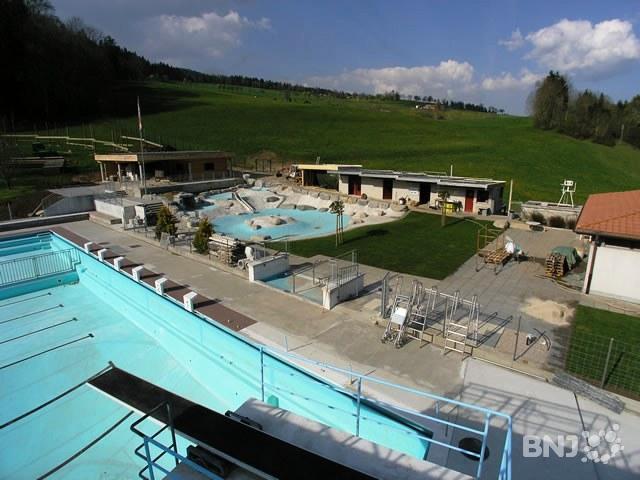 Printemps hivernal ouverture des piscines maintenues for Construction piscine neuchatel
