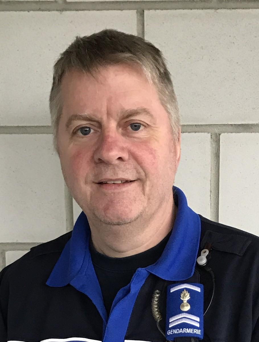Un nouveau commissaire la police locale de del mont - Grille salaire commissaire de police ...
