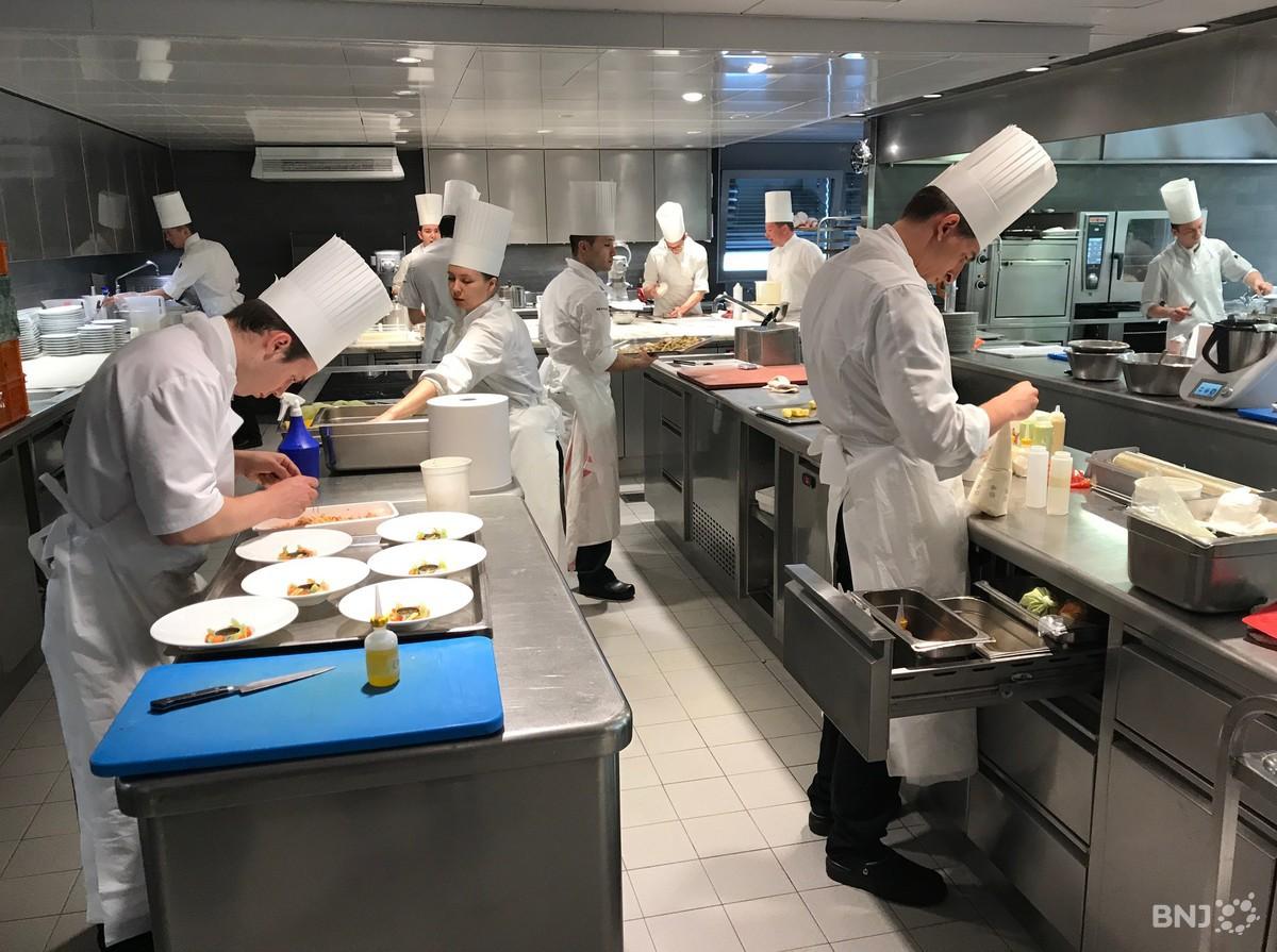 Le restaurant de l 39 h tel de ville de crissier rtn votre for Service de cuisine
