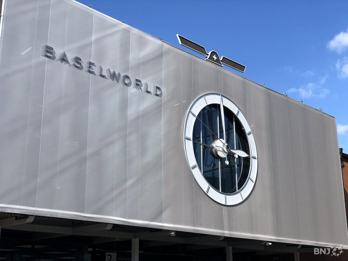 Baselworld s ouvre dans un climat tendu rfj votre radio - Salon de l horlogerie ...